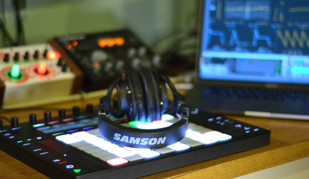 Samson Z55 Headphones
